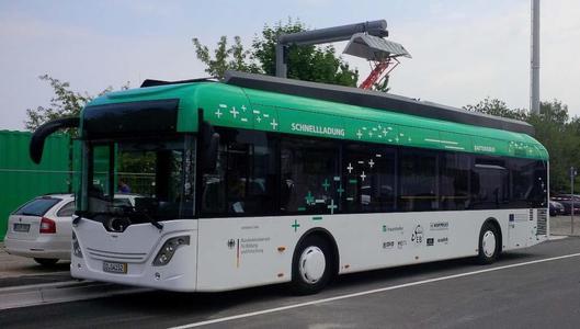 """Meilenstein der Elektromobilität: Auszeichnung für Projekt """"SEB - Schnellladung Elektro-Bus"""""""