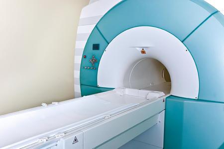 In MRT-Geräten sorgen High-Performance-Lager Durobal® von Trelleborg Sealing Solutions für gleichmäßige, sanfte Tischbewegungen und erhöhen so Sicherheit und Wohlbefinden von Patienten. Bild: ©iStockphoto.com/uchar