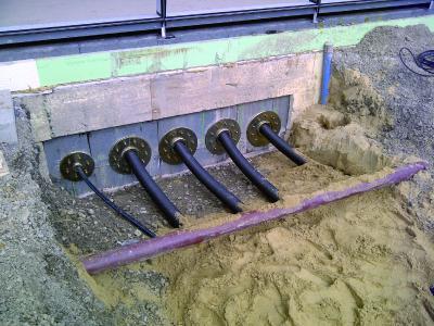 Moderne Flexalen-Kunststoffrohrleitungen verbinden das Hotel Kloster Haydau mit dem Blockheizkraftwerk. Das wartungsarme Leitungsnetz besteht aus rund 2.100 Metern vorisolierter Kunststoffrohre / Fotonachweis: Thermaflex/txn