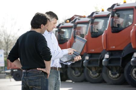 Mit den Tools Optifuel Infomax und Optifleet von Renault Trucks kann die Senkung des Kraftstoffverbrauchs im Fuhrpark dauerhaft nachgehalten und begleitet werden