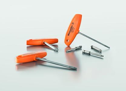 Weidmüller Schraubendreher-Sortiment: Die neuen Innensechsrund (Torx®-)Quergriffe und Bits überzeugen durch ihren höheren Bedienkomfort, da Anwender die tieferliegende Schraube mit dem Schraubendreher einfacher greifen können