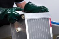 Reinigung von elektrostatsichen Filterzellen im Ultraschallbad