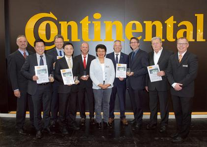 At Hannover Messe, ContiTech recognized its Suppliers of the Year 2015 in the fields of anti-vibration technology and noise isolation (from left): Andreas Zentgraf (ContiTech), Stanley Kim (Chosen Moulding & Assembly), Volker Loitz (Karl A. Sass), Yuting Shen (Shanghai HEBA Die Casting), Christian Steinig-Nowakowski (BASF SE), Hicran Hayik-Koller (ContiTech), Holger Wantzelius (BASF SE), Sascha Bausch and Peter Görrissen (Brugger Magnetsysteme) and Diethard Schneider (ContiTech) / Photo: ContiTech