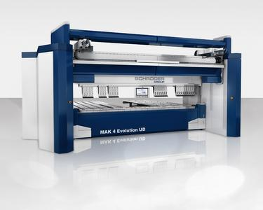 Schwenkbiegemaschine MAK 4 Evolution UD mit automatischem Werkzeugwechsler Bildquelle: Schröder Group