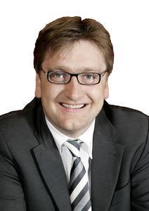 AZUR Solar Geschaeftsfuehrer CEO Bernd Sauter