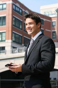 Mit der ubi-Suite können Unternehmen mobile Geräte weltweit 'Over the Air'verwalten und deutlich Kosten sparen.Zusätzlich werden Compliance-Vorgaben erfüllt. Mitarbeiter sind überall auf dem aktuellen Stand