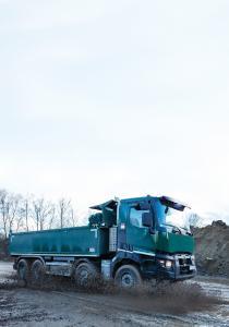 Renault Trucks ergänzt sein Optitrack System mit neuen Funktionen, die die Zugkraft des Fahrzeugs erhöhen und gleichzeitig die Wendigkeit auf jedem Untergrund bewahren