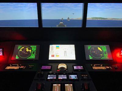Moderne Brückensimulation: Rheinmetall übergibt Ausbildungs-ausstattung Nautische Schiffsführung an Deutsche Marine