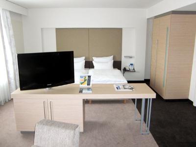 Hotel-TV Halterung von monitorhalterung im Estrel Berlin