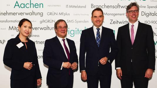 KIW-Geschäftsführerin Mailin Winter, Ministerpräsident Armin Laschet, BITMi-Präsident Dr. Oliver Grün und Aachens Oberbürgermeister Marcel Philipp (v. l.)