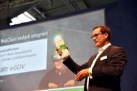 Alexander Dörner stellt Webclient auf der CEBIT vor