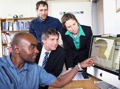 Gelebte Praxis Gastdozent Josphat Mukabi von der Polytechnic of Namibia mit Prof. Dr. Thomas Schmidt, Janntje Böhlke Itzen und Martin Kühn