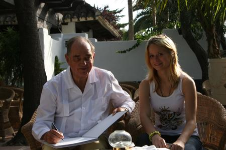 Eine handsignierte Ausgabe des Buches 'Fünfzig Jahre Marbella Club' für Jackie