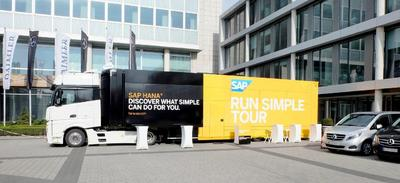 SAP RUN SIMPLE TOUR Travelling in a Schuler Promotion Trailer