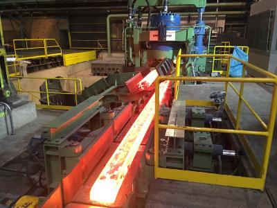 Třinecké železárny gehört zur Unternehmensgruppe Moravia Steel und bietet ein sehr breites Produktportfolio an: Schienen, Draht, Stabstahl inklusive SBQ, Nahtlosrohre und gezogener Stahl