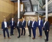 Die neue Geschäftsführung v. l.: Alexander Weiss, Marcus Herwarth, Stefan Schmidt-Weiss, Robert Kreß, Steffen Schönfeld, Dieter Straub (Vorsitzender), Christian Ott und Ralf Schmidt.