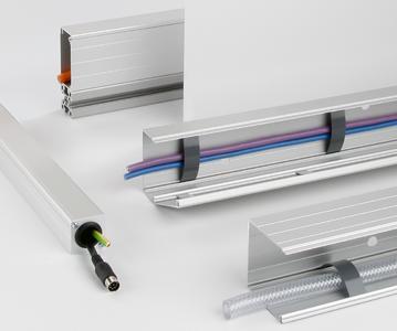 Die BLOCAN®-Kabelführungen aus Aluminium bieten ausreichend Platz für alle Arten von Bild-, Daten-, Audio-, Steuerungs- oder Stromkabel sowie Schläuchen und sind in den gängigen Baugrößen 40x40, 40x80, 80x40 und 80x80 erhältlich