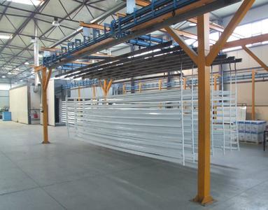 FEAL bietet die Oberflächenbehandlung der Profile an. Diese können z.B. nach Kundenwünschen eloxiert, pulverbeschichtet oder mit Holzdesign dekoriert werden. Nahezu sämtliche Holz-Optiken kann FEAL auf Aluminiumoberflächen aufbringen