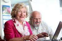 Zwei begeisterte Senioren Helgard Ahr und Utz Reichel aktiv im Web 2.0.