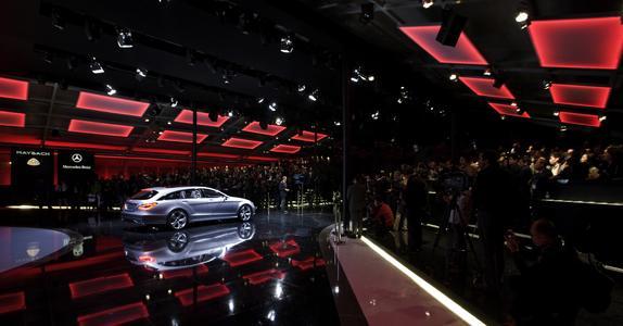 """Markenauftritt im Reich der Mitte: Die von Oliver Schrott Kommunikation gestaltete """"Mercedes-Benz Cars Premiere Night"""" am Vorabend der Messe Auto China in Peking im April dieses Jahres (Foto: Daimler)"""
