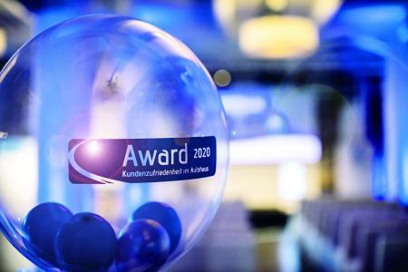 Auszeichnung für Autohäuser: Award für Kundenzufriedenheit 2020. Foto: TÜ?V Rheinland