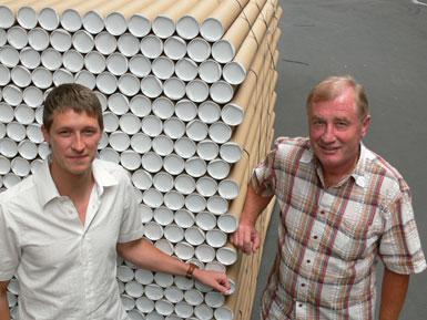 Thomas Haseney und Albert Brandt: Ihr täglicher Rohstoff ist das Papier und Pappe