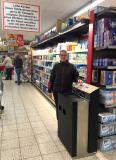 Julia Rode, Marktleiterin bei REWE Kesper & Rode in Witten bei Dortmund ist von CoinDepo überzeugt. FOTO: NGZ