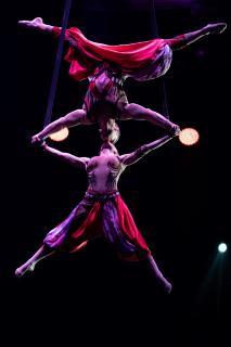 Ein Kopf-an-Kopf-Hängen: Das Duo Idols begeisterte schon das Publikum des Cirques du Soleil, Quelle: Thüringer Turnverband
