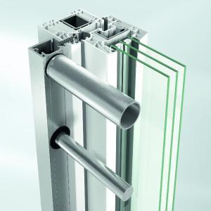 Schüco Absturzsicherungen: Befestigungssystem mit der Falzleiste / Bildnachweis: Schüco Polymer Technologies KG