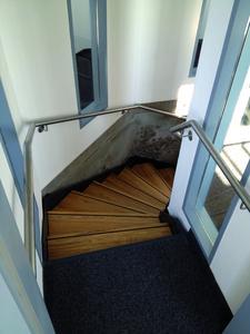Blick auf die neu eingebaute Treppe des Wasserturms in Niebüll. Bildquelle: Remmers Baustofftechnik, Löningen