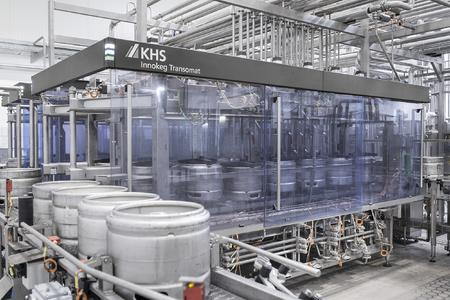 Der Innokeg Transomat 6/1 ermöglicht die flexible Reinigung von Kegs