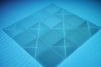 3D-gedrucktes Probebauteil: Die sogenannte Transmissivität, also die Lichtdurchlässigkeit, variiert je nach Schichtdicke und Schichtausrichtung. (Foto: LZH)