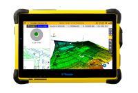Für die schnelle und leistungsfähige Datenerfassung bei der Arbeit im Feld wird das Trimble Tablet T10 vorgestellt. Die große Bildschirmanzeige ist auch bei Sonnenlicht auf der Baustelle extrem gut ablesbar / Foto: SITECH