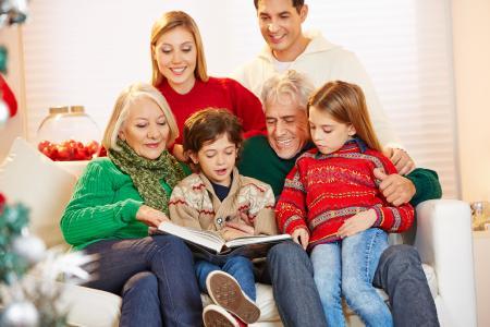 Ein ganz persönliches Weihnachtsgeschenk ist die Digitalisierung von alten Fotoalben und die Aufbereitung zu einem hochwertigen modernen Fotobuch oder eBook.