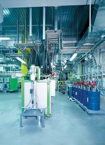 In einer Pulverabfüllanlage kann elektrische Entladung fatale Folgen haben.
