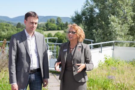 Sabine Dörr, Geschäftsführende Gesellschafterin mit Wirtschafts- und Finanzminister Dr. Nils Schmid, MdL