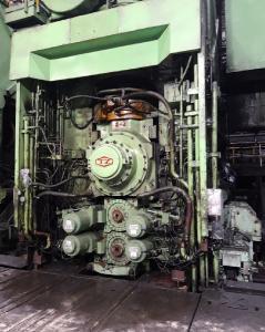 Eines der Fertiggerüste in der Warmbandbandstraße Nr. 1 von Benxi Iron & Steel nach Einbau des CVC®plus-Systems