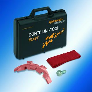 Mit dem Universalwerkzeug CONTI® UNI-TOOL ELAST von ContiTech können Kfz-Mechaniker elastische Keilrippenriemen einfach und sicher wechseln. Photo: ContiTech