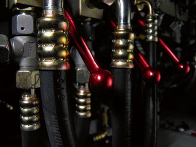 Zahlreiche mobile Schwerlastkrane sind mit Hydraulikschläuchen und Armaturen von ContiTech ausgestattet, weil diese die besonderen Anforderungen nach hoher Zuverlässigkeit erfüllen