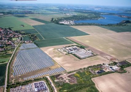 Luftaufnahme des Solarparks Weißenfels von Green City Energy