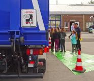 """In Kooperation mit dem THW führt die Verkehrswacht Kreis Mettmann eine Tote-Winkel-Schulung durch. Foto: """"Landesverkehrswacht NRW"""""""