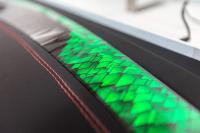 Nahtloses Kurz-HMI-Armaturenbrett mit Touchbedienfeld (Foto: Kurz)