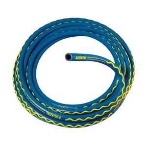 Having passed the test imposed by the British Water Regulations Advisory Scheme (WRAS), the AQUAPAL® has now been approved for transporting drinking water in the UK. Thanks to its blue jacket with the yellow wavy line, the highly flexible drinking water hose is unmistakable / Photo: ContiTech