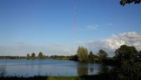 Der neue 120 Meter hohe Messmast auf dem Testfeld in Wilhelmshaven wurde für Forschungszwecke und die Verifizierung von Fernerkundungssystemen errichtet. Foto: UL-DEWI