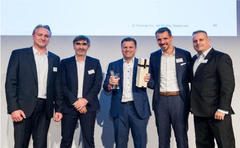 Übergabe Fortinet Award