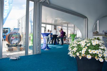 Offenes Erscheinungsbild und ansprechende Dachform sind ideal für Beratung und Präsentation