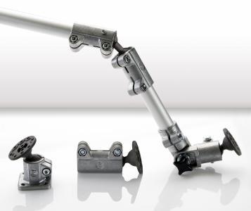 Die Aluminium-Rohrverbinder mit Kugelgelenk aus der Solid Clamp Baureihe bieten deutlich mehr Freiheitsgerade bei der Konstruktion als herkömmliche Gelenkverbinder