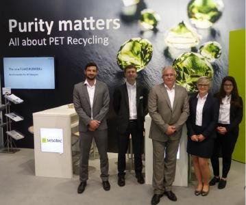 The Sesotec trade fair team at the drinktec 2017 was highly pleased about many new business contacts. Picture from left to right: Corbinian Freiberg, Michael Perl, Franz Schaab, Anja Veicht and Andrea Burghart / Photo: Sesotec GmbH