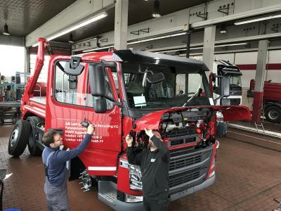 Nachrüstung Abbiegeassistent - Einbau LN Leitl Nutzfahrzeuge GmbH