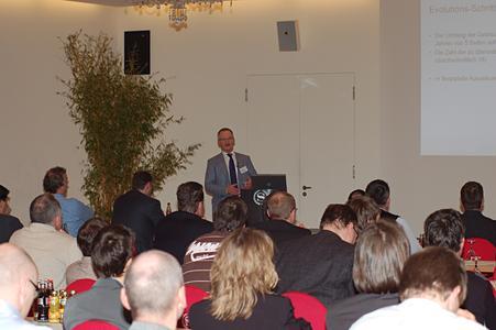Wolfgang Heß erläuterte die sukzessive Erweiterung von SCHEMA ST4 bei Philips Healthcare